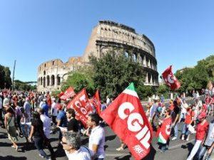 A megszorítások ellen tüntetnek az olasz rendvédelmi szakszervezetek