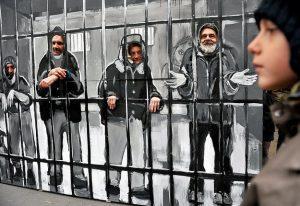 Aki a szálló helyett az utcát választja, 225 ezret fizet. A hajléktalanok már 2011 novemberében is demonstráltak az új szabálysértési előírások ellen