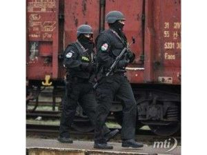 Új egyenruha - Fotó: MTI
