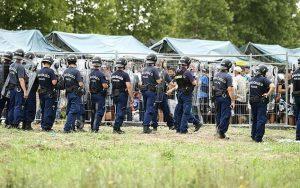 rendőrök-migránsok