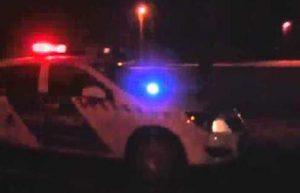 Éjszakai rendőrautó